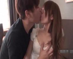 【小田切ジュン】素人女の子をおっぱい攻めと乳首攻め!