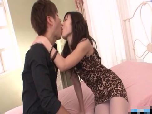 【小田切ジュン】じっと見つめ合い、お姉さんからの甘い誘惑エッチ! xvideos女性向け【無修正】