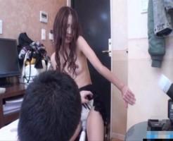 恥ずかしがるお姉さんを電マと手マン攻め!体をくねらせながら感じちゃう! xvideos女性向け動画【無修正】