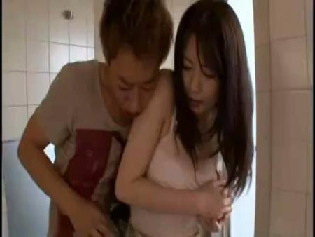 【沢井亮】シャワーの修理にやってきたイケメンお兄さんに発情した奥様が大胆に誘惑! 沢井亮女性向け動画