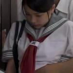 帰宅途中の電車で痴漢される女子高生!感じちゃいけないのに器用な手マンに感じちゃう。。。 redtube女性向け動画