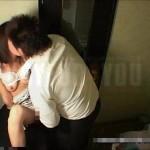 クラブのトイレに隠れて女の子のあそこを手マンとクンニで攻めちゃう盗撮エッチ! xvideos女性向け動画