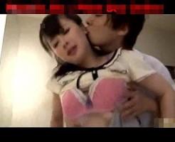【鈴木一徹】バレないように声を殺しながらイケメン彼氏とトイレでこっそりエッチ! xvideos女性向け動画
