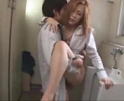 【大沢真司】生徒たちが授業中にトイレでこっそり楽しいことしちゃってる先生カップル! javynow女性向け動画
