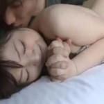 【鈴木一徹】手をぎゅっと握って感じ合う!一徹くんの手マンとクンニにビクビク感じ流ラブセックス! ero-video女性向け動画