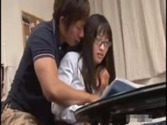 【しみけん】試験に合格した教え子に特別なお祝いをプレゼントしちゃうドキドキエッチ! ero-video女性向け動画