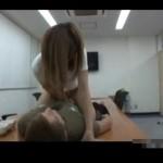【志戸哲也】騎乗位で自分から腰振り、バックでガンツキされいっぱい感じちゃうお姉さん!