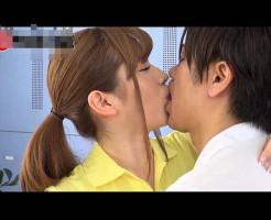 【小田切ジュン】ジムのイケメントレーナーさんとロッカールームで特別レッスン! xvideos女性向け動画