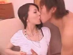 【沢井亮】緊張気味のお姉さんを甘いキスとおっぱい攻めで感じさせるドキドキエッチ! ero-video女性向け動画