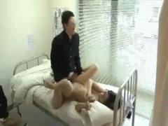 エッチな女教師がイケメン生徒と保健室で禁断エッチ! ero-video女性向け動画