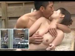 【黒田悠人】隣のお風呂に誰かいるけどばれないように露天風呂で大胆セックス! xvideos女性向け動画