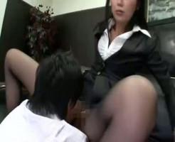 女上司に命令されてドエスに攻められてしまう男性社員!