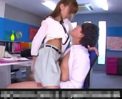 【貞松大輔】エッチな美人先生が職員室で先輩先生とこっそり濃厚エッチ!