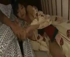 【鮫島】旅館の廊下で寝てしまったお姉さんを部屋に連れ込みちゃっかりセックス!