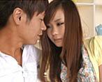 【小田切ジュン】彼の前では甘えたになっちゃうツンデレ彼女!明るいリビングのソファで開脚してクンニされたら堪らなく感じちゃう! 女性向け無料アダルト動画