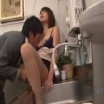 会社の給湯室でこそこそエッチ!イケメン部下のクンニにいっぱい感じちゃう! xvideos女性向けアダルト動画