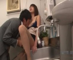 会社の給湯室でこそこそエッチ!イケメン部下のクンニにいっぱい感じちゃう! 女性向け無料アダルト動画