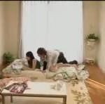【沢井亮】自宅でリラックス気分の彼女にエッチな意地悪してそのままラブラブエッチ! 裏アゲサゲ女性向け