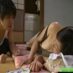 真夏の昼下がりに昼寝しているお姉さんをこっそりおさわり! xvideos女性向け動画