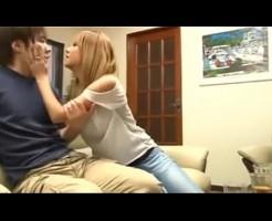 【鈴木一徹】彼女の友達が急に泊まりに来て彼女がいない間に、、、! javynow女性向け動画