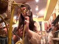 店内に誰もいなかったので可愛い店員さんを手マンレイプしちゃうお客さん! 裏アゲサゲ女性向け動画