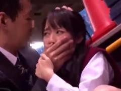 駐輪場で女子高生を強引に押し倒して口を塞ぎ無理やりレイプ! 女性向け動画pornhub