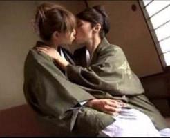 秘密の関係な私たち!2人っきりの女子旅でいちゃいちゃレズエッチ! xvideos女性向け動画