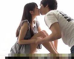 ワンピースが似合う女の子とイチャイチャ。身長差がある彼に背伸びしてキスをおねだり!【一徹】