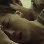 薄暗い寝室でセクシーに絡み合い、快感の世界にとろけていくラブセックス! xvideos女性向け動画