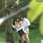 学生カップルが野外でセックスしてるのをちゃっかり盗撮しちゃいました!