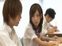 【タツ】テスト中に隣の席のイケメン彼氏にエッチなイタズラ!お互いの股間を触りあって… 女性向け無料アダルト動画