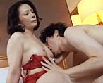 【ムータン】見た目はサバサバな素人奥さまが若いエロメンに興奮してセクシーに変身!電マ責めにヨガっちゃって巨根の快感に酔いしれちゃう! 女性向け無料アダルト動画