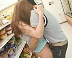 【貞松大輔 Rio】彼氏がいきなりコンビニで…!?声が出せなくって必死に耐えるけど、気持ち良くなっちゃうスリル満点のこっそりセックス! 女性向け無料アダルト動画